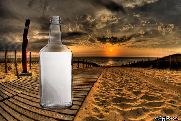 Botella en la playa del océano - Botella en la playa del océano
