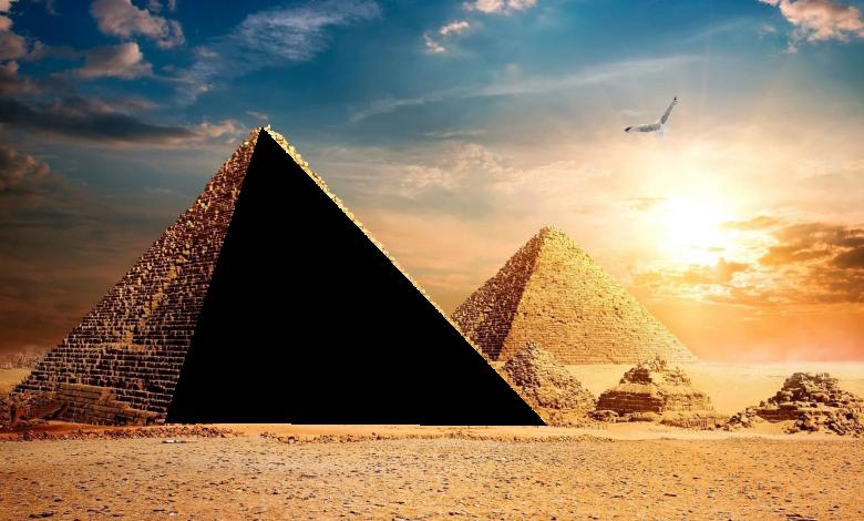 marco de las pirámides de giza 780x470 - Marco de las pirámides de giza