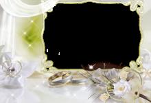 Photo of boda blanca con marco de fotos de 2 anillos